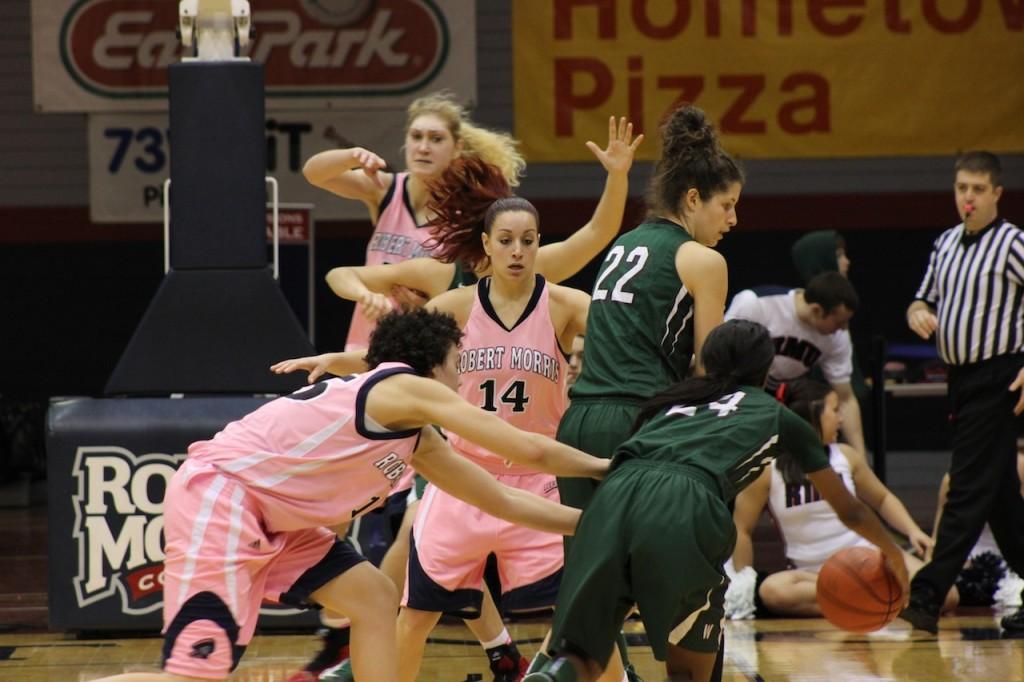 RMU+women%E2%80%99s+basketball+team+defeat+Wagner%2C+57-39