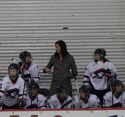 Former Olympian Siergiej joins women's hockey coaching staff