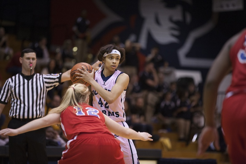 Kelly+Hartwell+has+been+key+off+the+bench+for+the+Colonials+