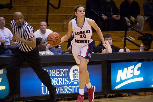 Rebeca Navarro posted a career-high 20 points Monday evening against Sacred Heart
