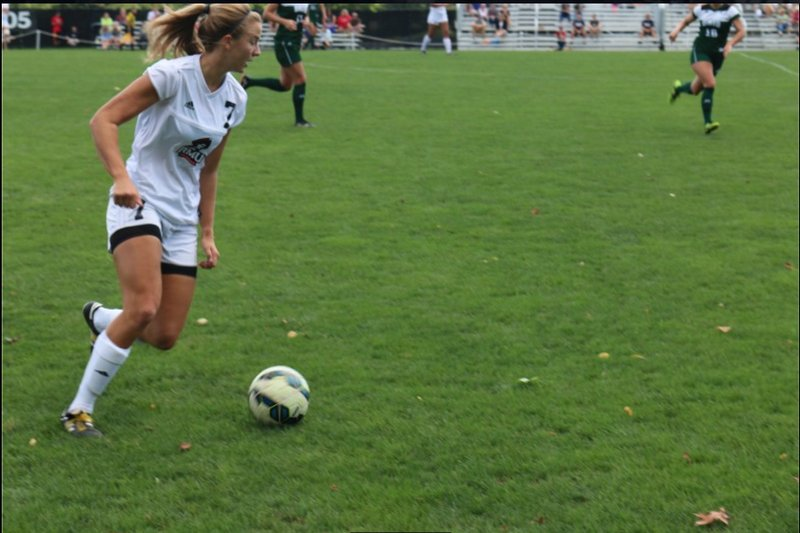 Women's soccer dominates Howard