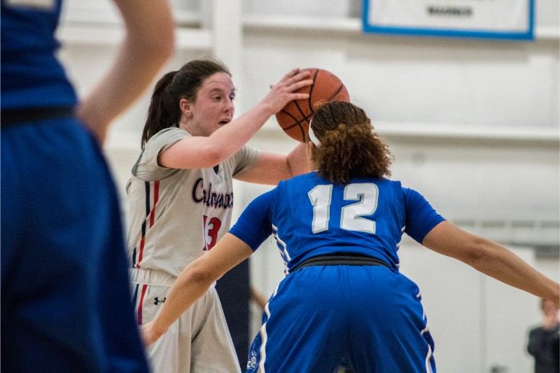Megan Callahan looking for a pass against Central Connecticut State January 30, 2018 (RMU Sentry Media/Morgan Torchia)
