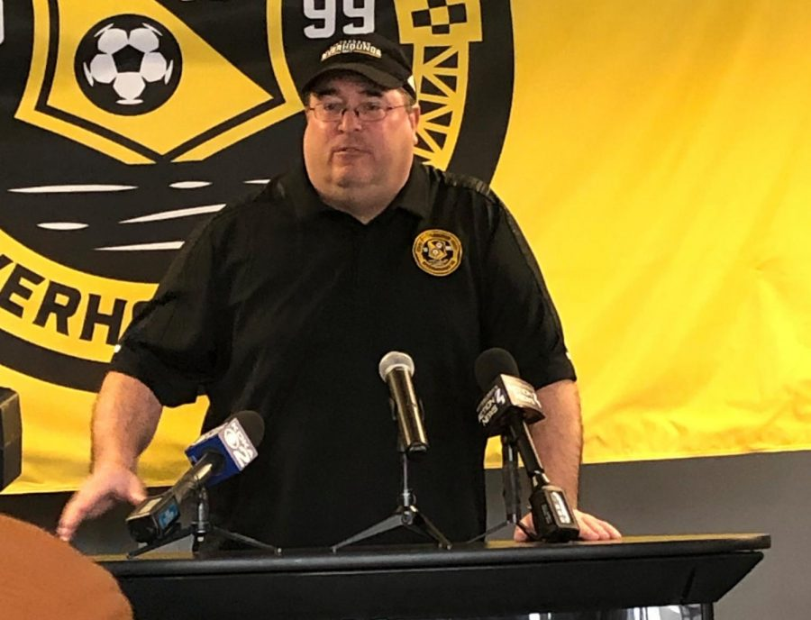 PITTSBURGH+--+Riverhounds%27+manager+Bob+Lilley+speaks+at+the+20th+anniversary+press+conference+%28Jon+Hanna%2FRMU+Sentry+Media%29.