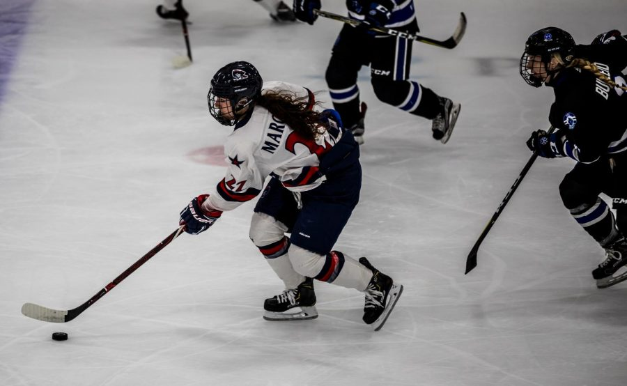 3 former RMU women's hockey players sign professional deals
