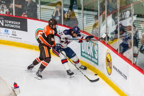 PREVIEW: Men's hockey to take on #18 Bowling Green in early-week tilt