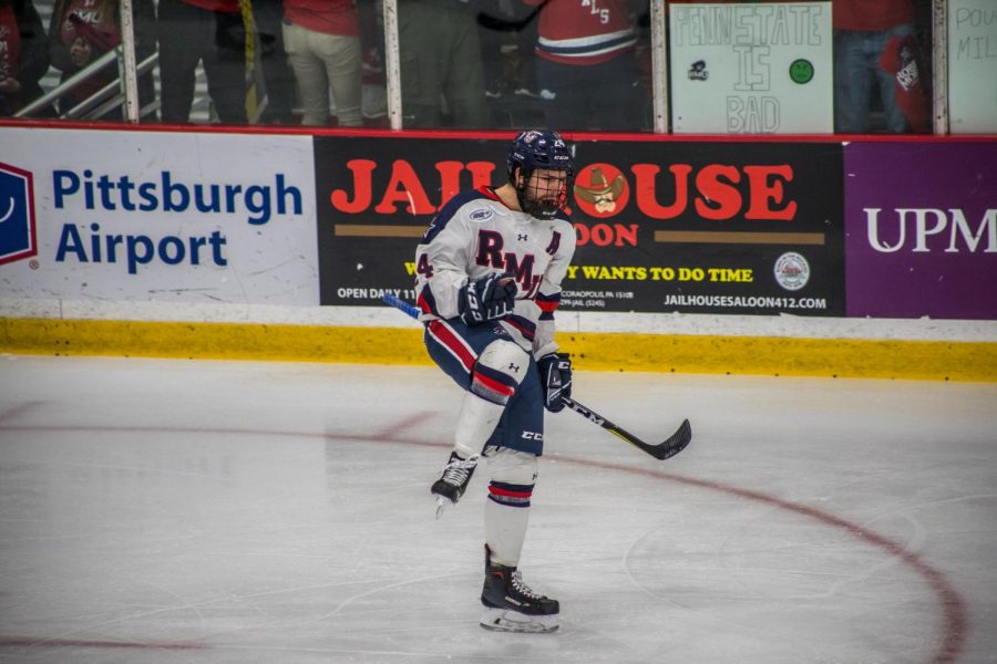Alex Tonge signed a contract with the ECHL's Wheeling Nailers on Monday. Photo Credit: David Auth