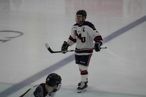 Men's hockey falls to Canisius in AHA opener