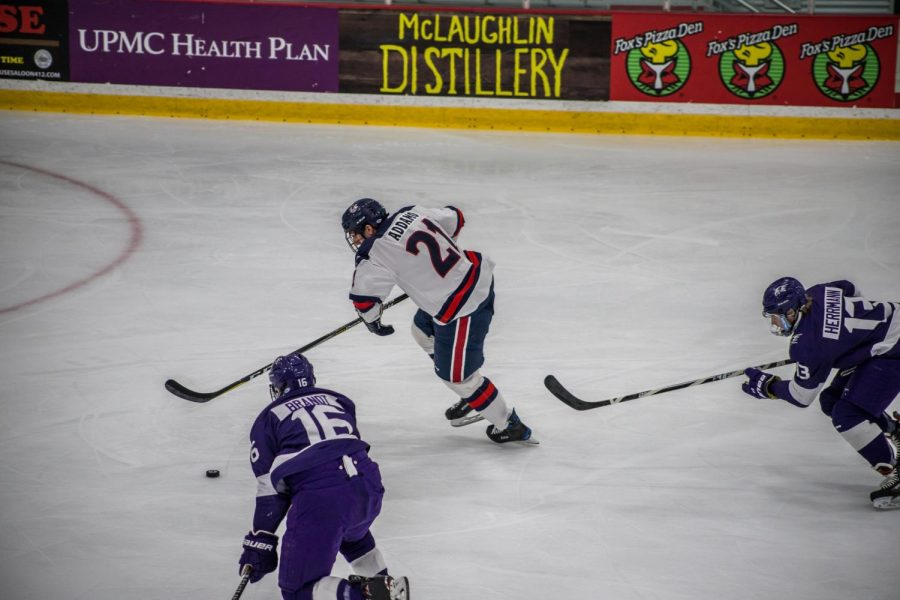 Justin Addamo carries the puck against Niagara in 2018. Photo Credit: David Auth