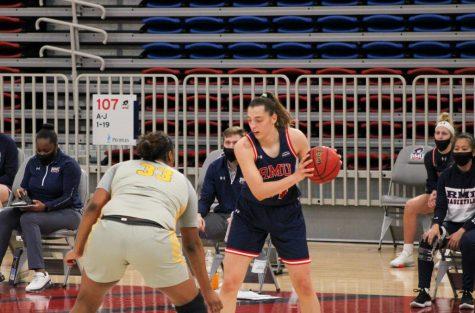 Sol Castro named Horizon League Women's Basketball Freshman of the Week