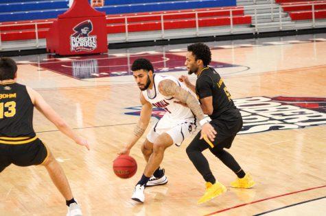 RECAP: Men's basketball drops third straight, falling to Northern Kentucky at home