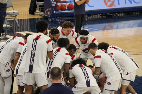 Men's basketball returns home this weekend to take on Northern Kentucky. Photo Credit: Ethan Morrison