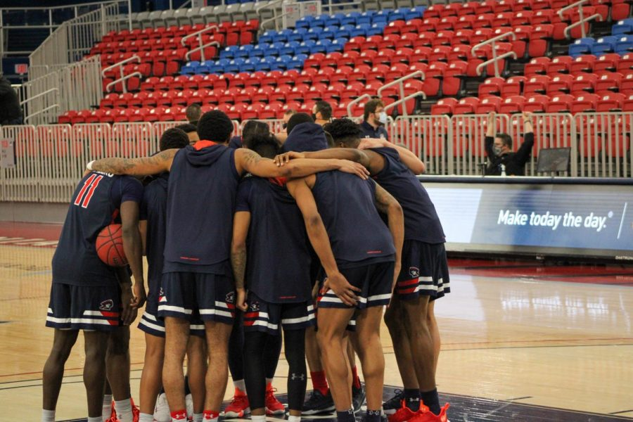 Men's basketball heads to Wright State this weekend. Photo Credit: Tyler Gallo
