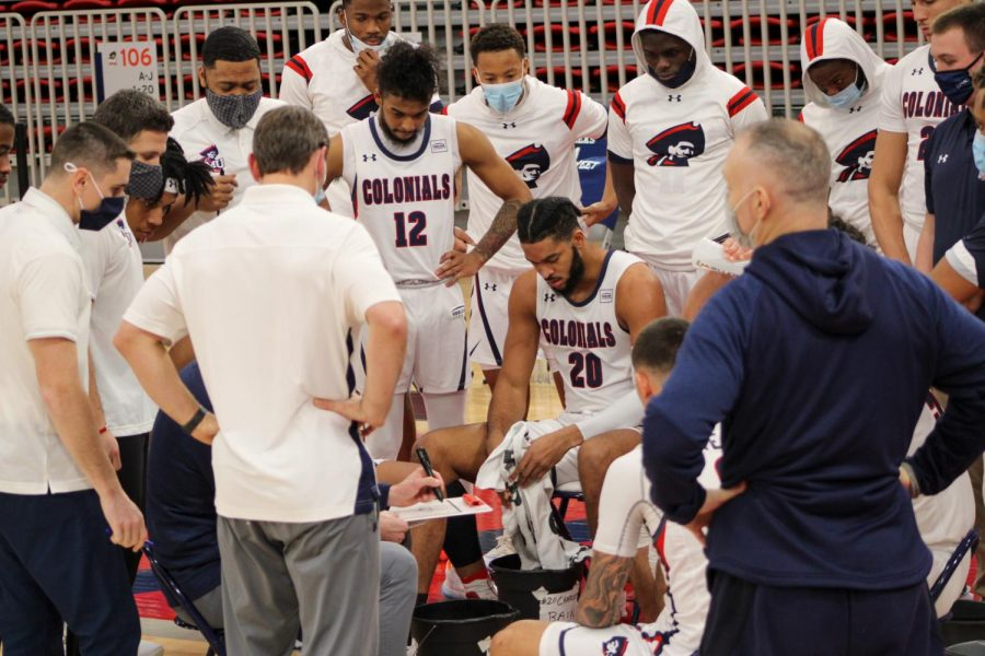 Men's basketball hosts Youngstown State this weekend. Photo Credit: Tyler Gallo