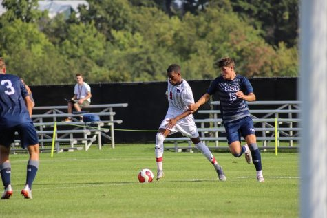 PREVIEW: Colonials look to enter win column against Green Bay