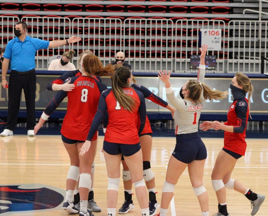 Volleyball+celebrates+a+point+during+their+match+sweep+of+IUPUI.+Photo+Credit%3A+Tyler+Gallo