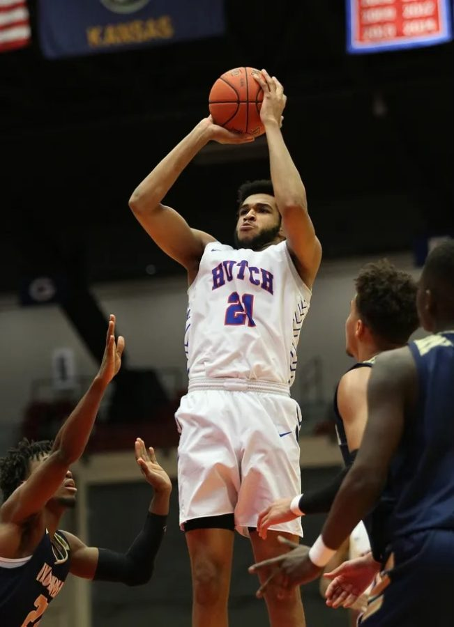 Matt Mayers, a JUCO product, has committed to Robert Morris