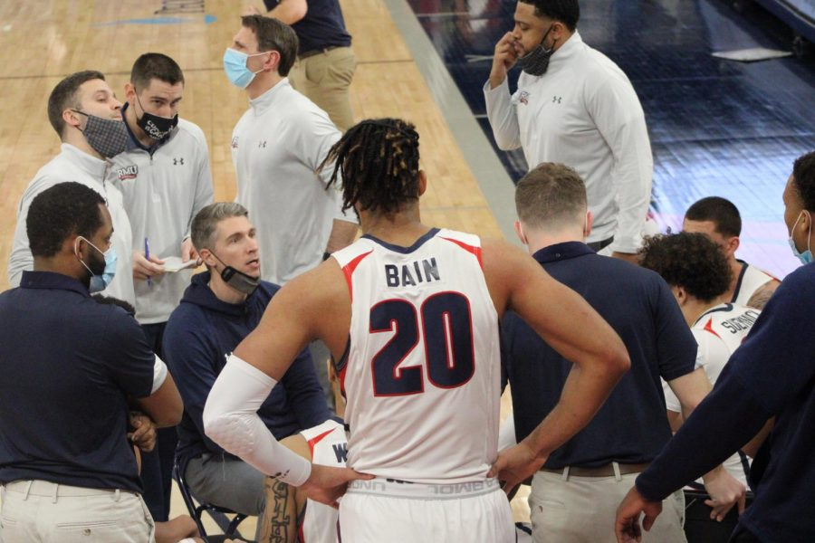 Men's basketball will travel to Orlando to take on UCF in a non-conference matchup. Photo Credit: Tyler Gallo