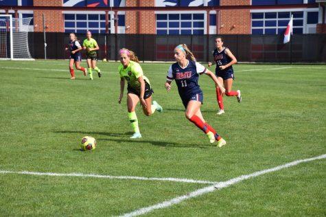 Homecoming sweep denied, women's soccer shutout 3-0 against Oakland